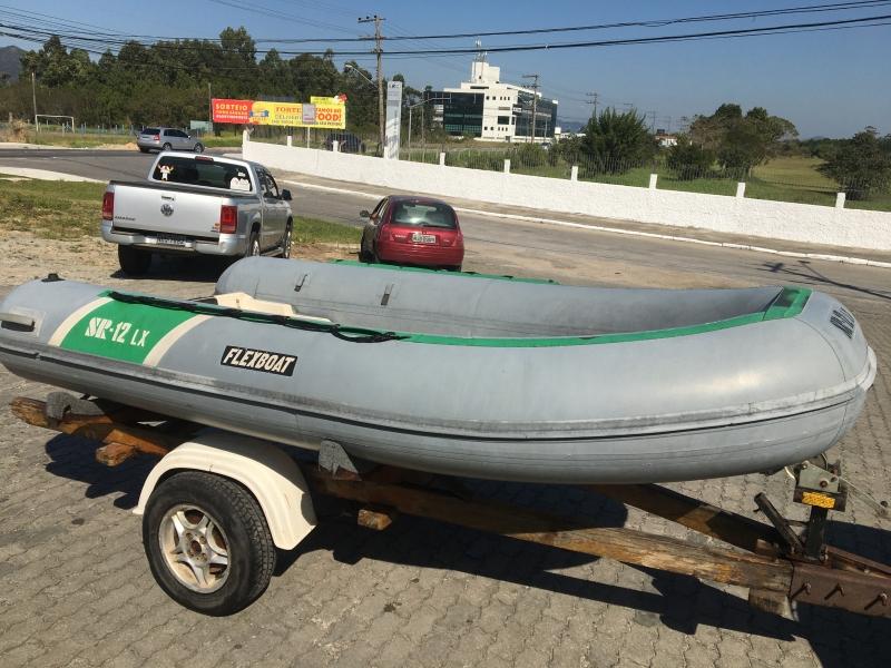 Bote Flexboat SR12 com Carreta