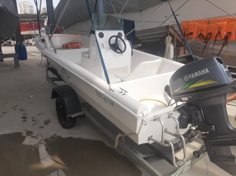 Lancha Fishing 150